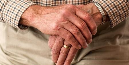 Bezpieczny dom seniora – wygodne wnętrze dla osoby starszej – Dom – Bezpieczna Rodzina